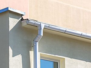 commercial roof - gutters