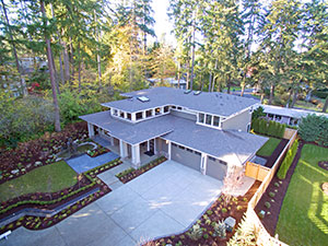 A look at a roof from above the house using aerial measurement techniques